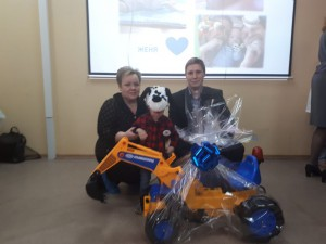 Олег Мышкин подарок от Уралмаш завода